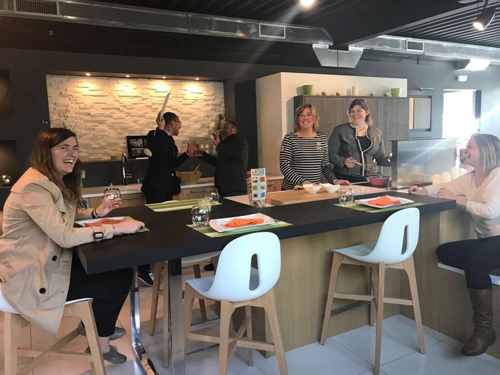 Service communication vendeur agenceur - Formation cuisine paris ...